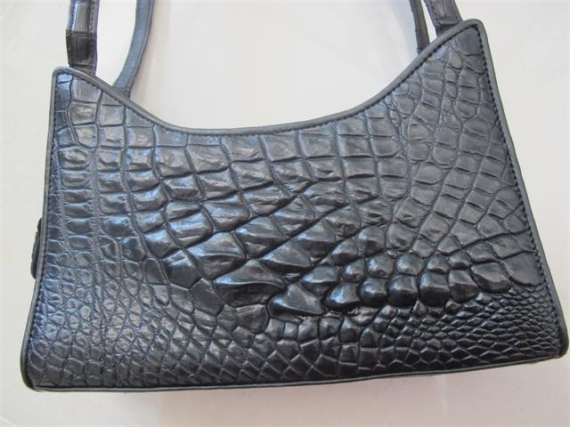 Túi xách nữ da cá sấu màu đen