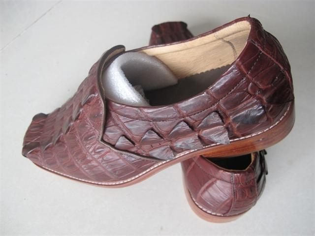 Giày nam gai đuôi cá sấu