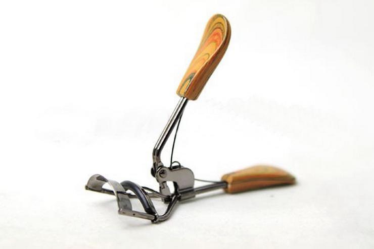 Bấm mi gỗ Curler tặng kèm 1 miếng đệm bấm mi