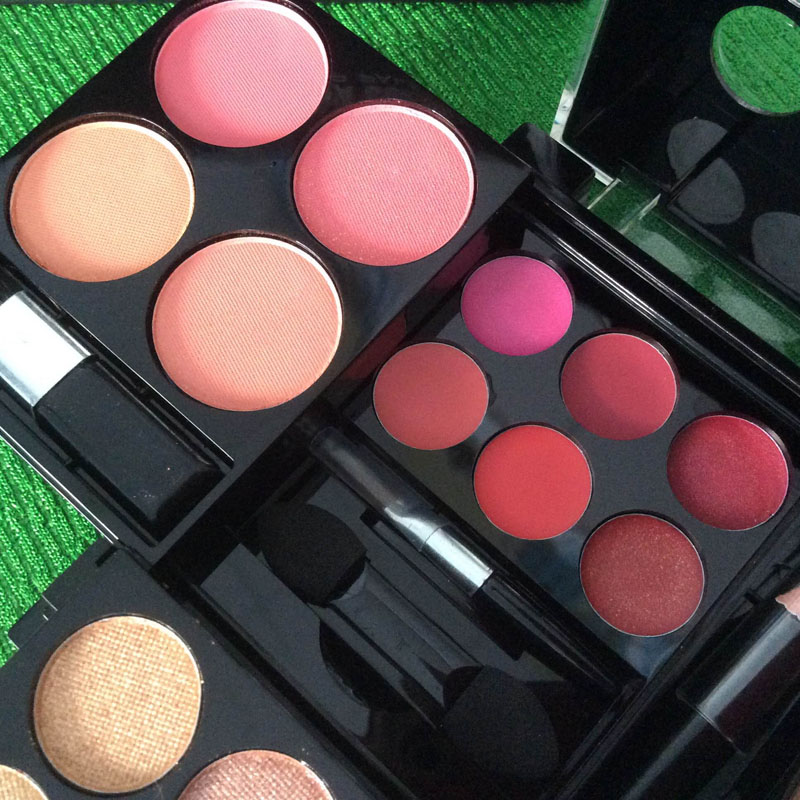http://shopdep24h.com/images/phan-ma-hong-phan-mat/bo-phan-sivanna-colors-pro-make-up-palette/IMG_6712_zps9shnfksk.jpg