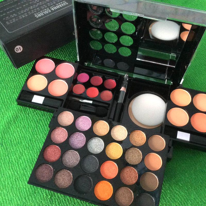 http://shopdep24h.com/images/phan-ma-hong-phan-mat/bo-phan-sivanna-colors-pro-make-up-palette/IMG_6719_zpsywnkb43d.jpg